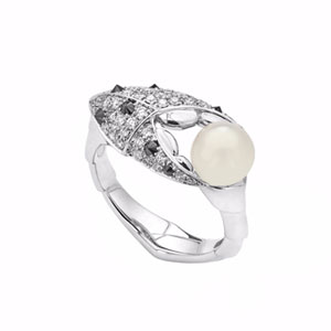 sstephen-webster-Mother's-Day-gift-guide-ring