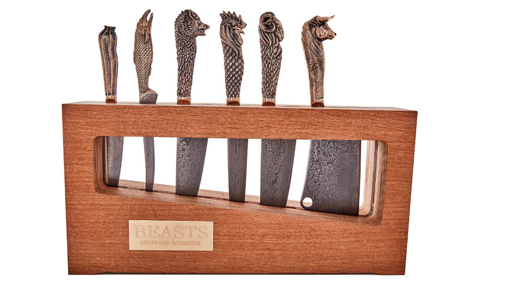 The full Beast Knife Set with wooden block.