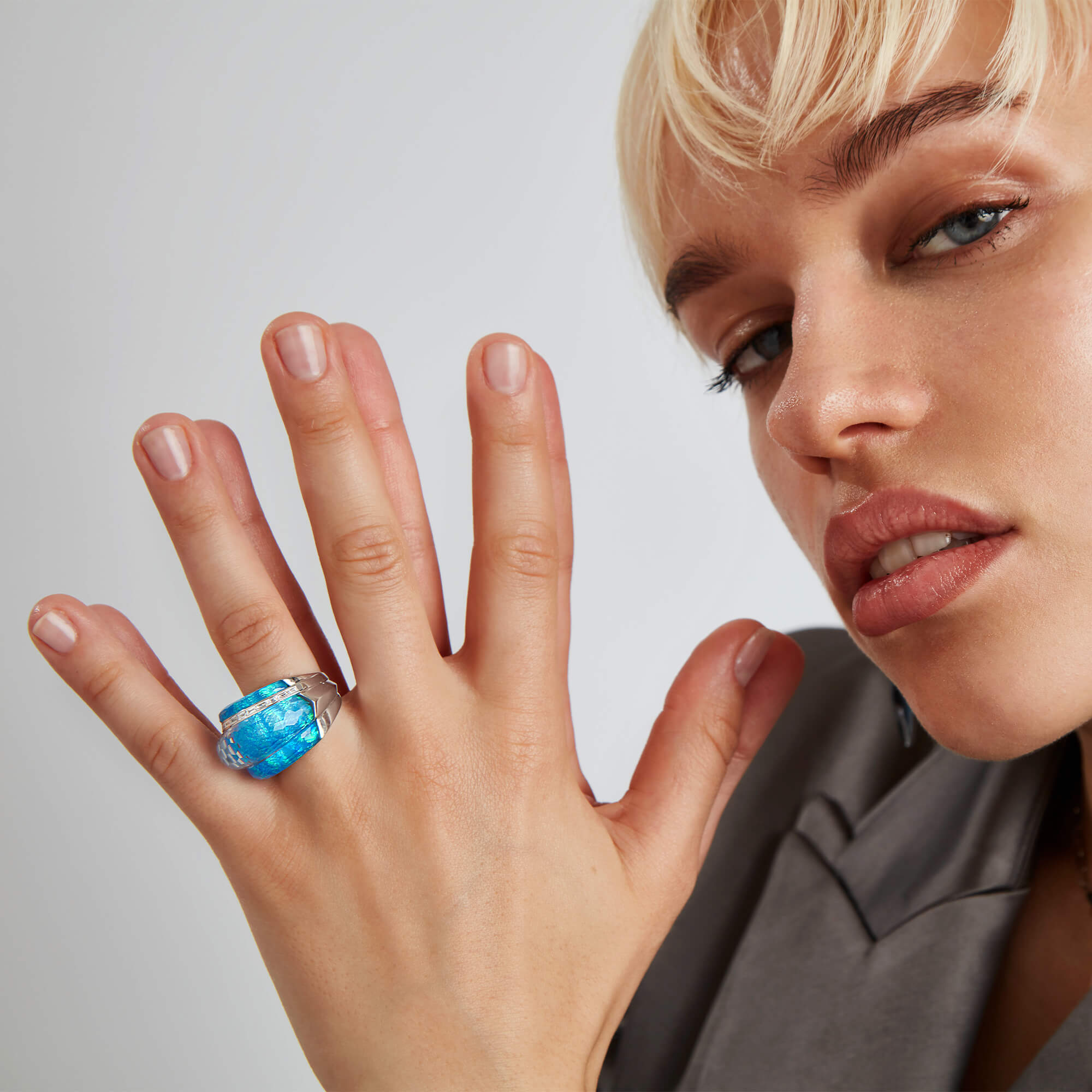 Black Opalescent Crystal Haze Cocktail Ring - Image 1 | CH₂