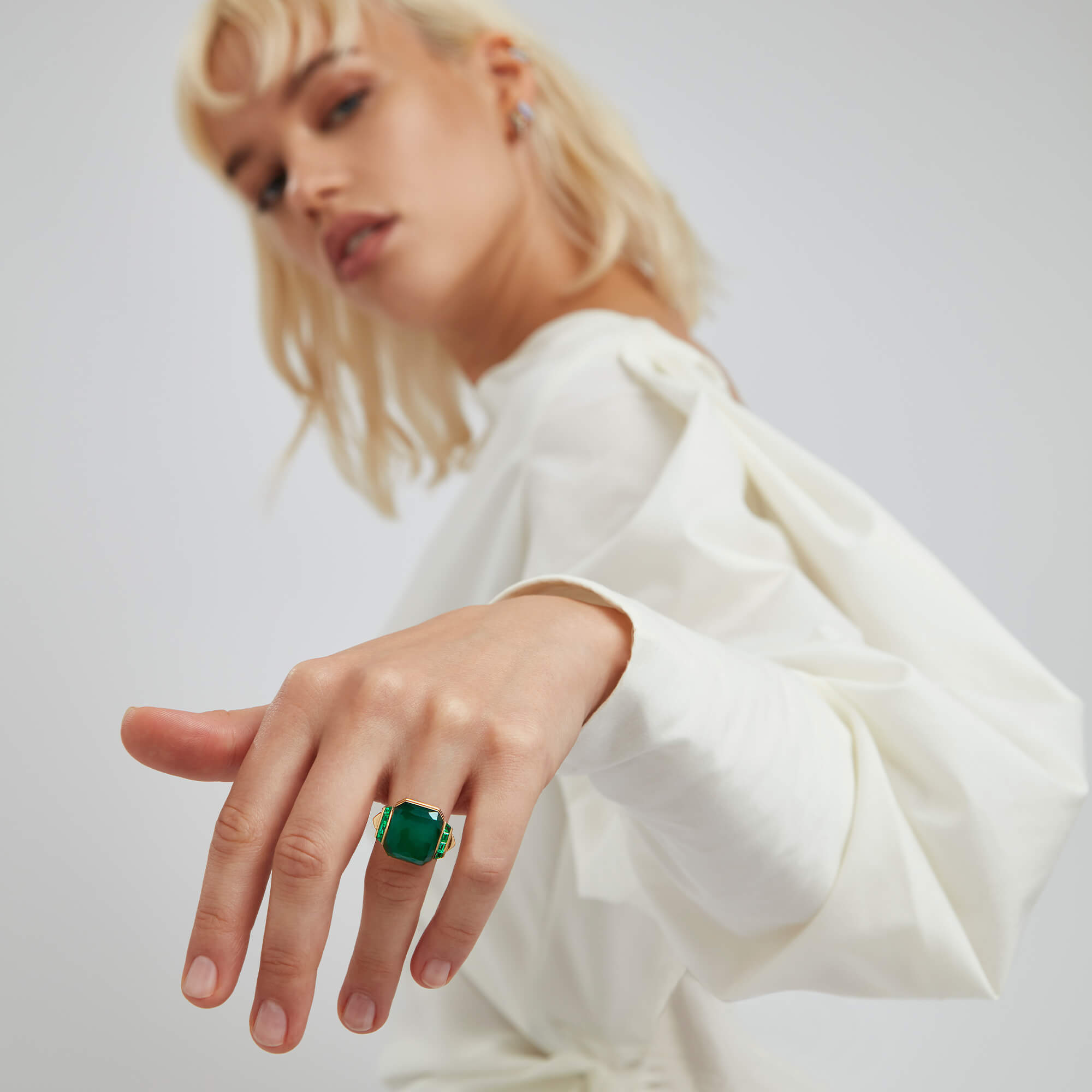 White Opalescent Crystal Haze Deco Wide Twister Ring - Image 4 | CH₂