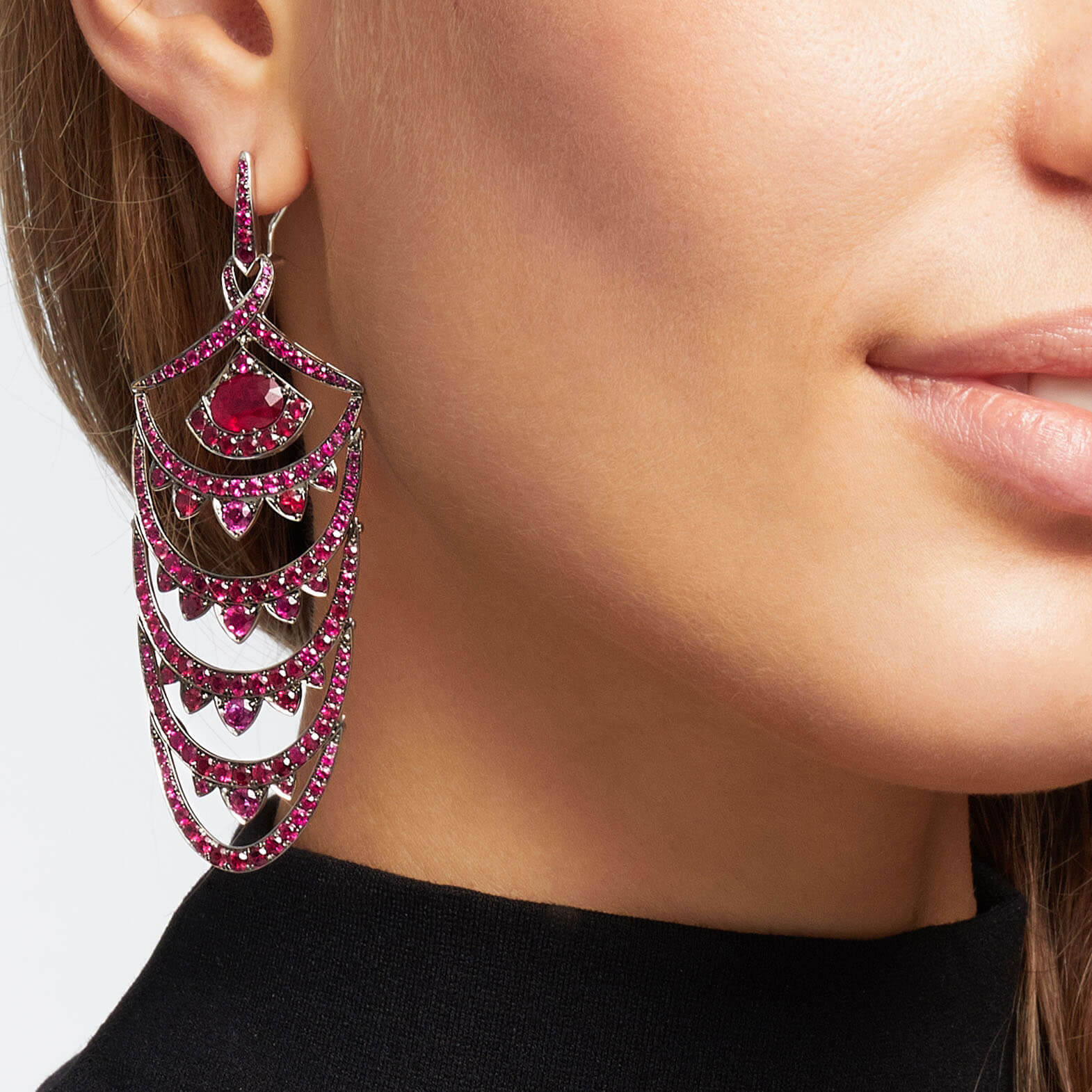 White Gold New York Earrings With Rubies | Deco