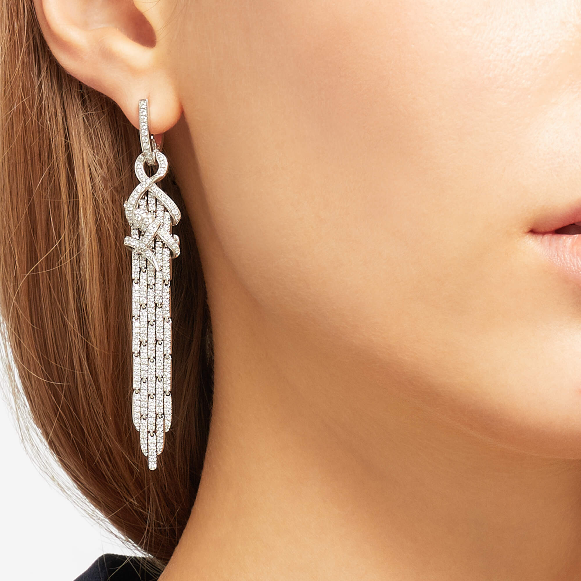 Cascade Earrings in White Gold | Thorn