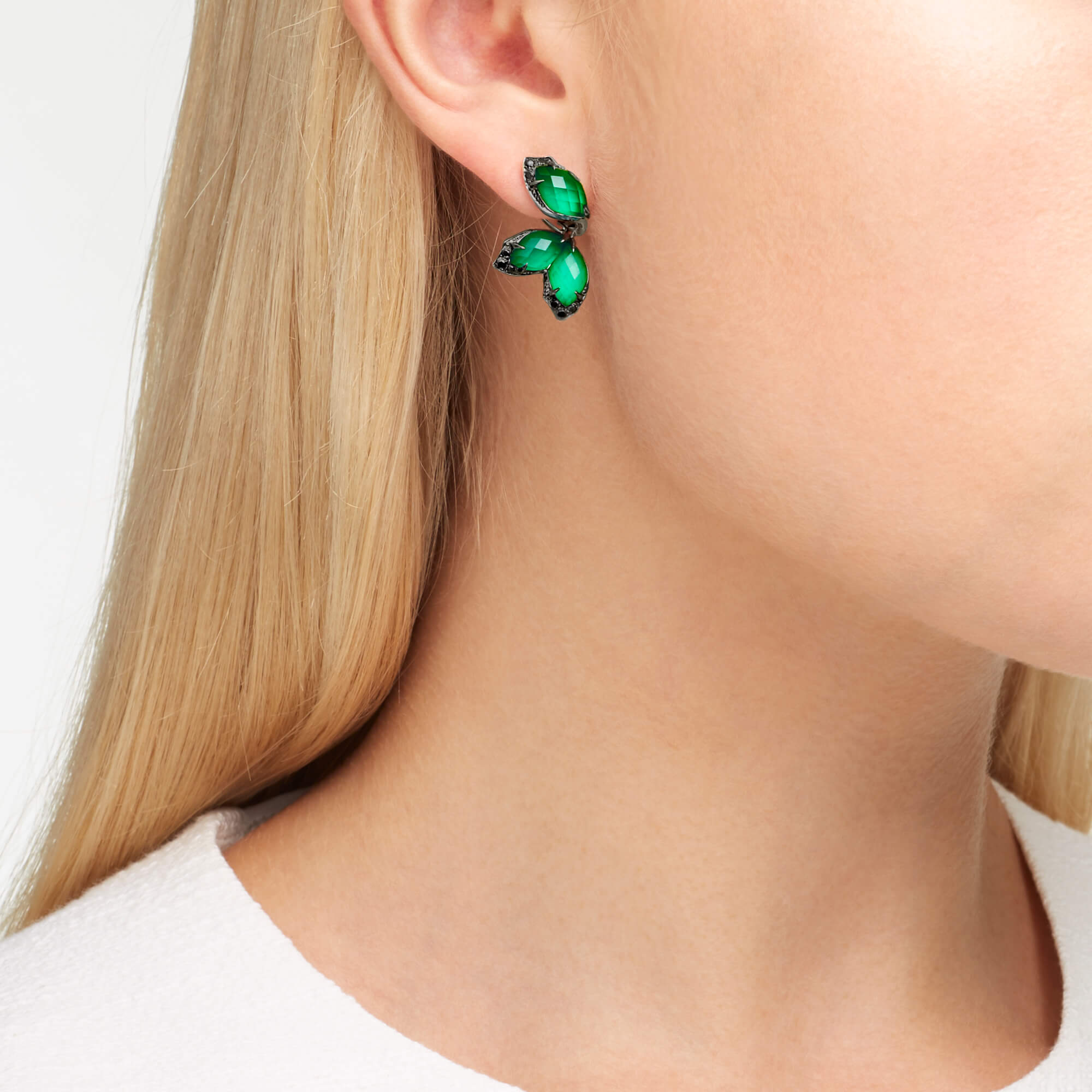 White Gold and Green Agate Earstuds | Love Me, Love Me Not