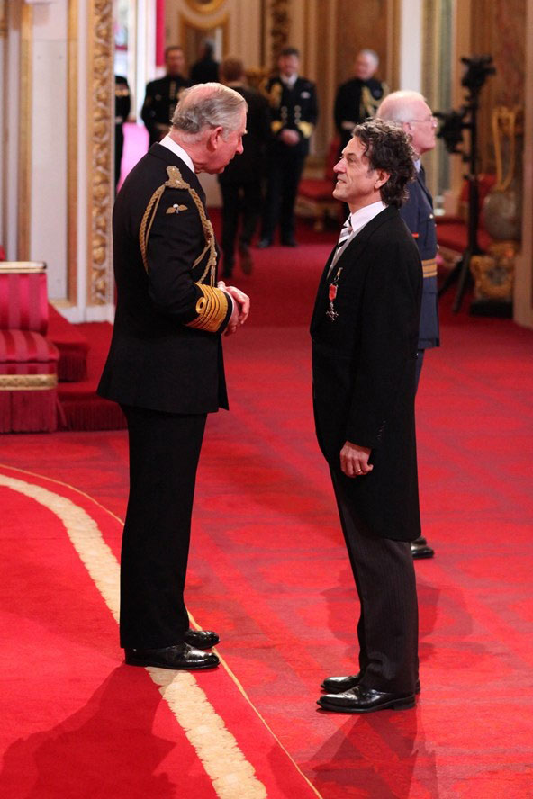 Stephen-Webster-Prince-Charles-MBE-Buckingham-Palace